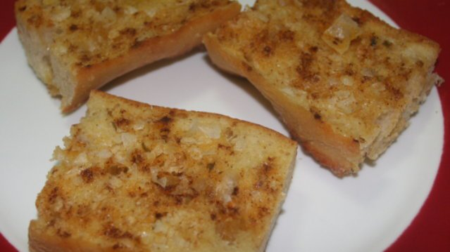 Quick and Easy Garlic Bread Using Falksalt Flakes